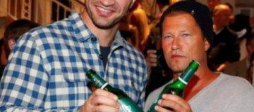 Кличко-младший выпил пива в ресторане актера Тиля Швайгера