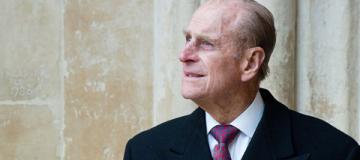 Принц Филипп в 97 лет добровольно отказался от водительских прав