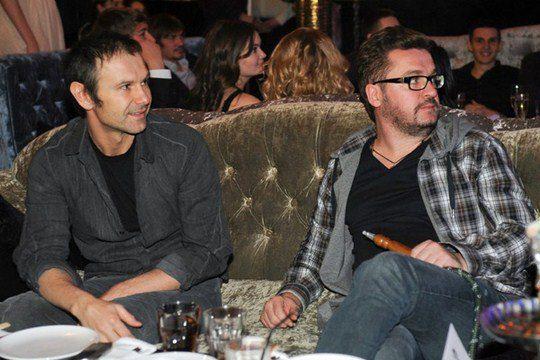 Святославу Вакарчуку в тот вечер пришлось делить диван с Александром Пономаревым
