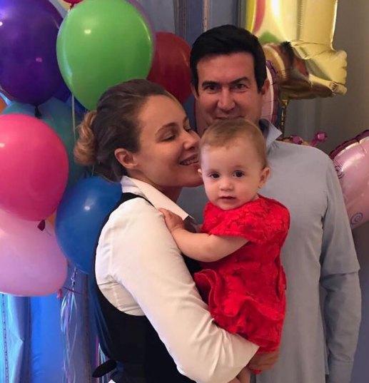 Наталья Королевская с мужем и годовалой дочкой Машей