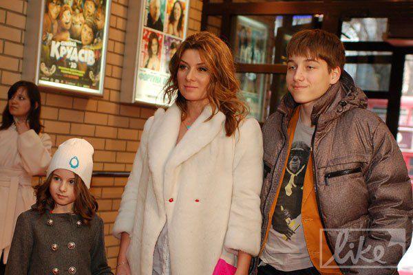 Экс-жена Алана Бадоева Жанна с детьми