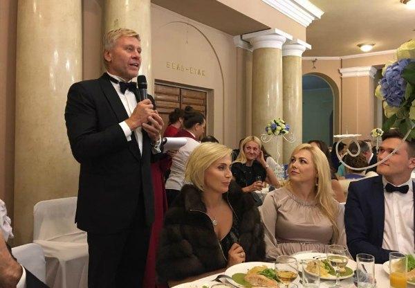 """Среди гостей был также замечен экс-глава """"Укравтодора"""" Вадим Гуржос"""