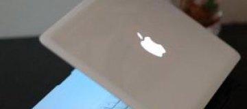 В Австралии выпустили духи с ароматом новых гаджетов Apple