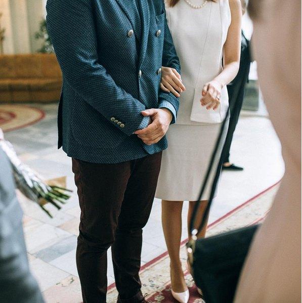 Платье невесты было очень лаконичным