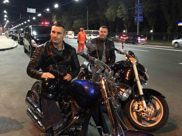Виталий Кличко оказывается еще и байкер