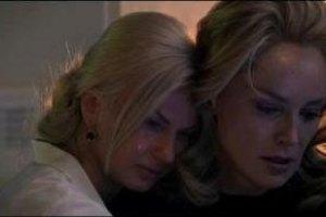 Камалия расплакалась на плече у Шерон Стоун