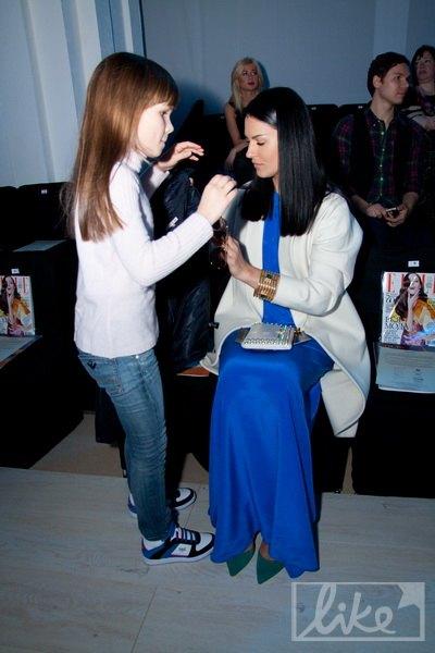 Маша Ефросинина с дочкой Наной на открытии Ukrainian Fashion Week