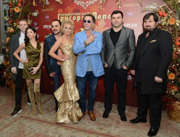 Григорий Лепс с коллегами и любимой подопечной Алиной Гросу