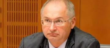 В Словении укравший сэндвич депутат ушел в отставку