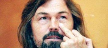 Никас Сафронов получит 300 тыс. рублей за обвинение в изнасиловании