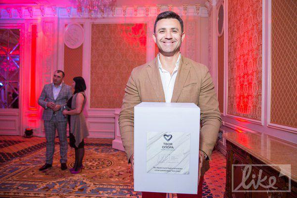 Ресторато и ведущий Николай Тищенко тоже решил поучаствоаать в акции