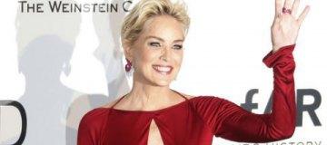 Шерон Стоун призналась, что любовь близких помогает ей оставаться молодой