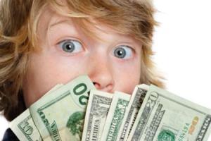 Украинский школьник потратил на сладости более $3 тыс.