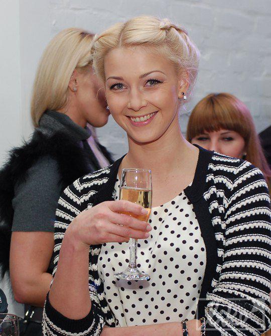 Актриса и телеведущая Любава Грешнова