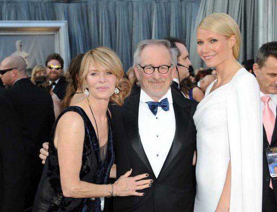 Стивен Спилберг с женой