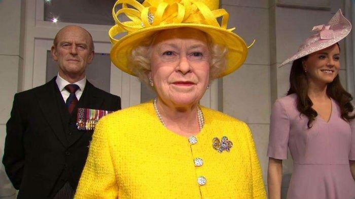 Восковые фигуры королевской семьи