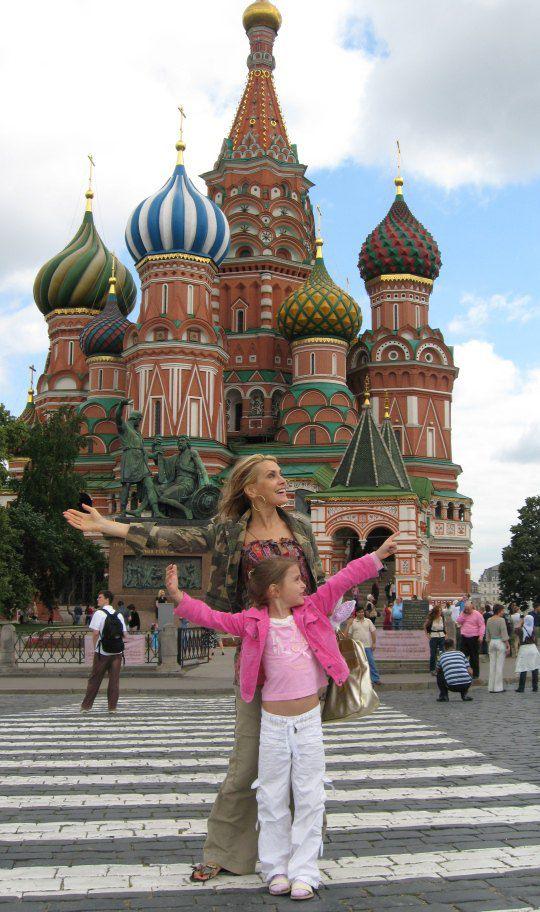 Ольга с дочкой Аней в Москве