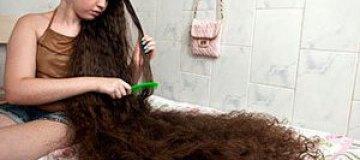 12-летняя бразильянка впервые остригла волосы и купила родителям дом