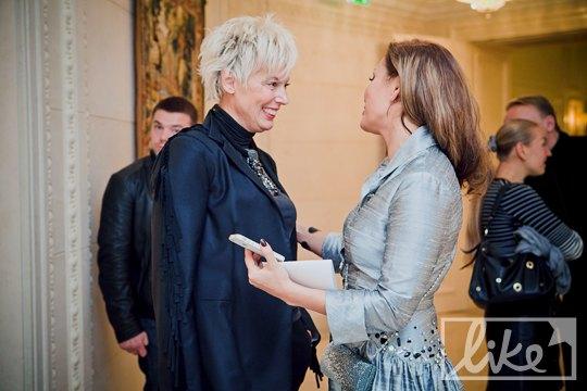 Стилист Ирина Дюденко (слева)