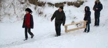 Дети Порошенко спасали лебедей на Днестре