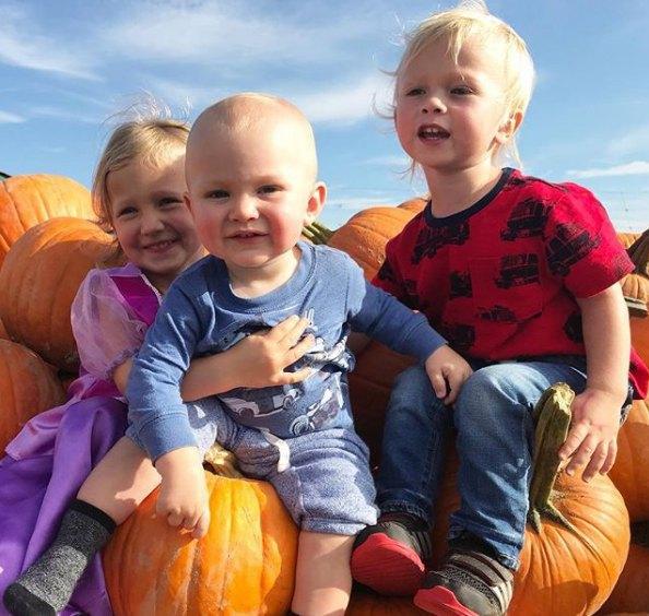Алек Бодуин с женой растят троих малышей
