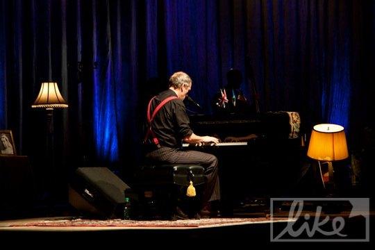 Концерт Хью Лори в Киеве длился два часа