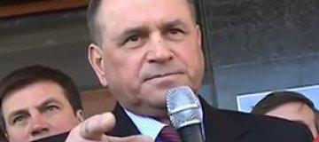 Житомирский губернатор пригрозил пикетчику дать в морду