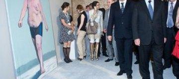 Азаров, Кулиняк и Порошенко посетили первую киевскую биеннале