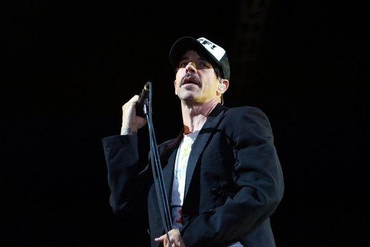Энтони Кидис из Red Hot Chili Peppers на концерте в Киеве