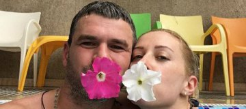 Тоня Матвиенко и Арсен Мирзоян со всеми детьми отдыхают в Карпатах