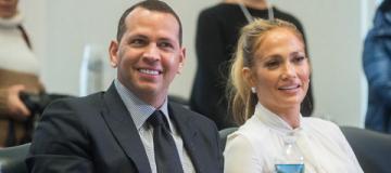 49-летняя Дженнифер Лопес прокомментировала слухи о скором замужестве