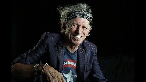 74-летний гитарист Rolling Stones бросил пить