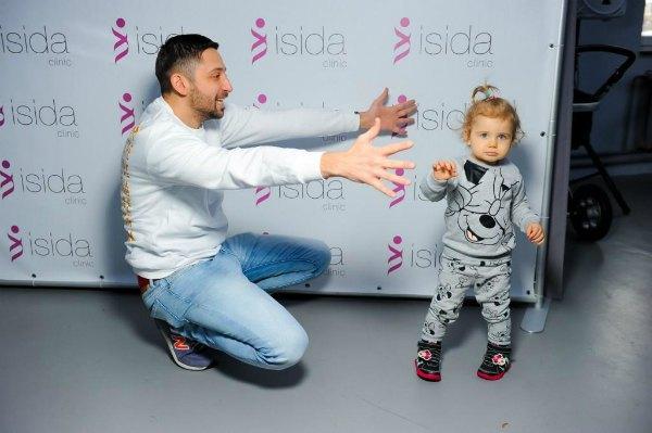 Телеведущий Андрей Шабанов с дочкой