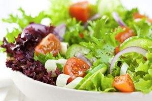 Шведский полицейский получил взятку салатом
