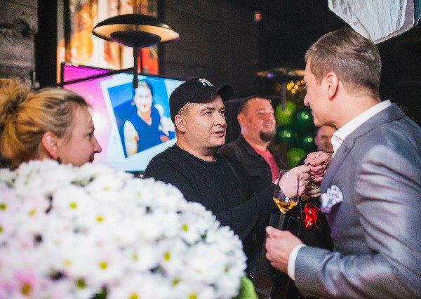 Андрей Данилко и Инна Белоконь поздравляют продюсера