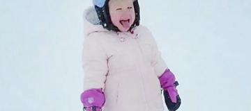 Двухлетняя дочка Кличко-младшего уже катается на горных лыжах