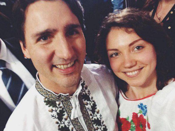 Селфи на память: канадский премьер и украинка Галина Плачинда