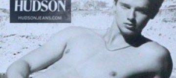 Сын Шварценеггера разделся для рекламы джинсов