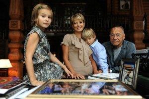 Юлия Высоцкая дала первое интервью после автокатастрофы с дочкой