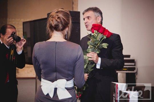 Сергею Герману подарили цветы