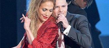 Джей Ло страстно целовалась с Pitbull на American Music Awards 2014