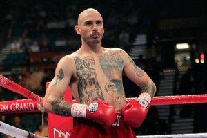 Бывший чемпион мира по боксу отказался платить таксисту