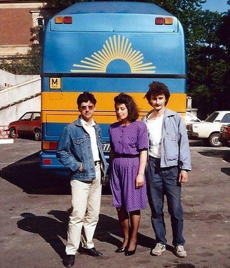 На снимке - Сергей Герман (муж политика), Анна Герман и Максим Мищенко. Фото сделано во Львове, 1990 год.