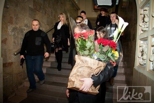 Цветы Ренаты вынесли в пакете