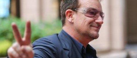 Боно потерял голос во время концерта в Берлине