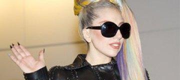 Леди Гага показала Адель без макияжа
