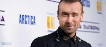 Олег Винник признался, как часто красит волосы