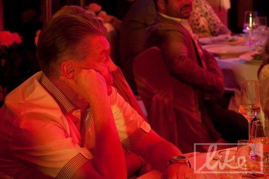 Глядя на танцы именинницы и гостей, Олег Блохин заскучал