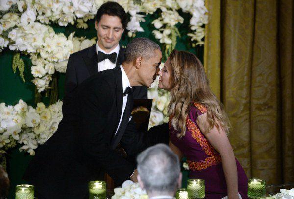 Поцелуи тоже были