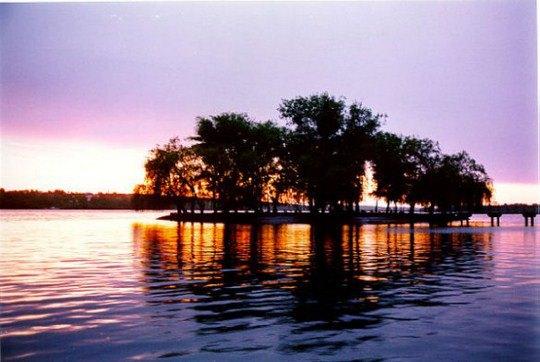 Остров влюбленных среди Тернопольского пруда